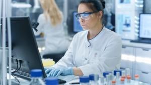 图1。由于实验室人员在输血和临床实验室测试两方面都处于订购实践的前沿,它们非常适合使用利用率管理系统来帮助改变订购行为。