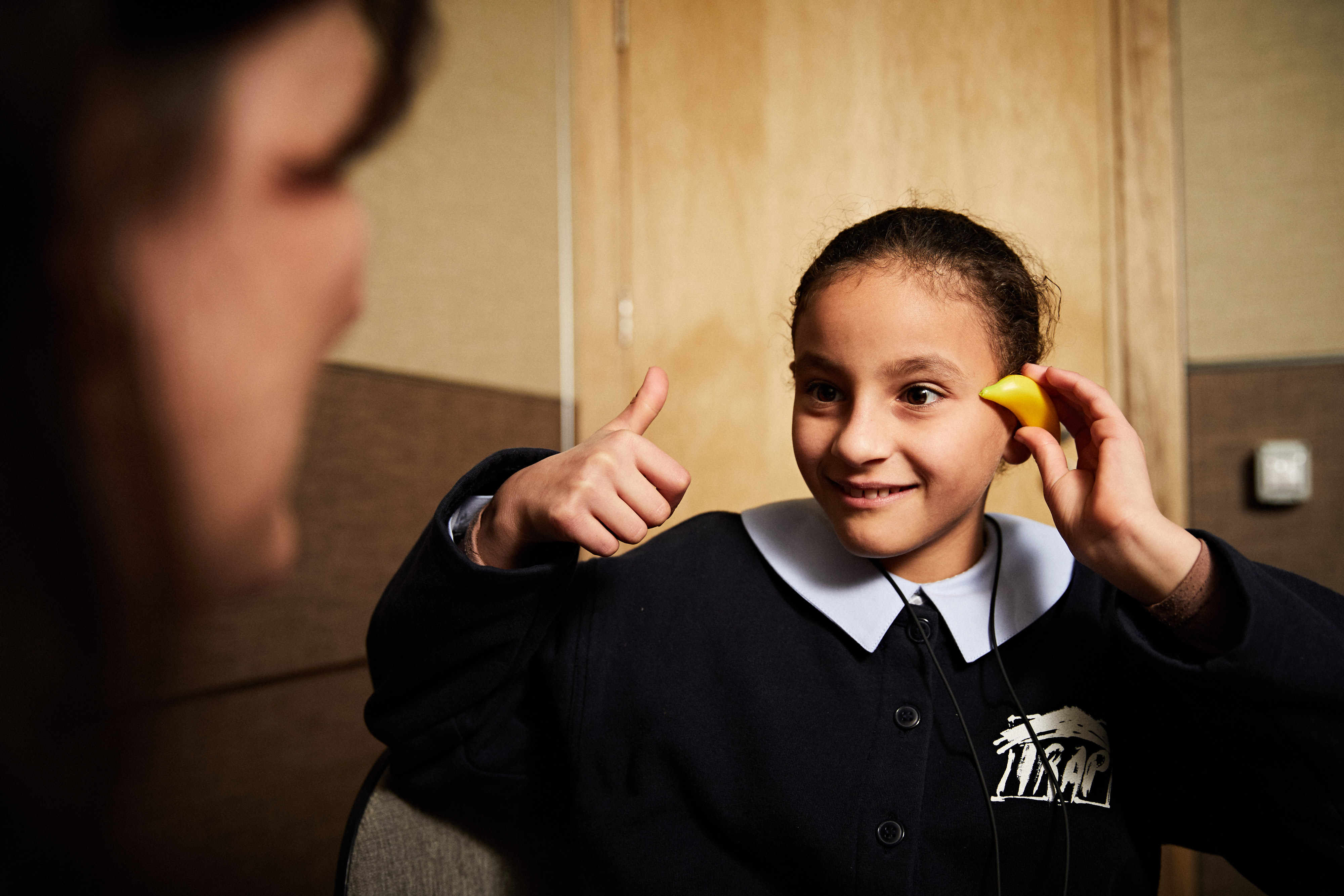 Chahama hears well with her new Phonak hearing aids.