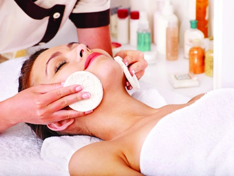 woman_facial_massage