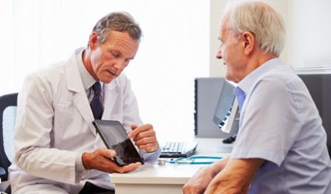 tablet-doctor-patient-tech-475