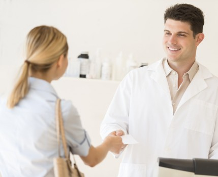 In Doctor Reviews, Customer Service Trumps Medical Expertise